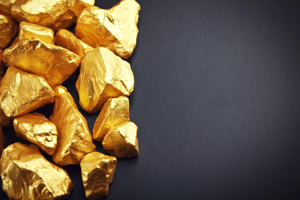 Investors Bet Big on Safe Haven, Gold Gains Rs 352