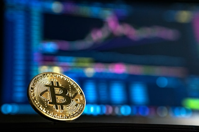 Crypto Market Tumbles on Delta Outbreaks; Bitcoin Slumps below $30,000