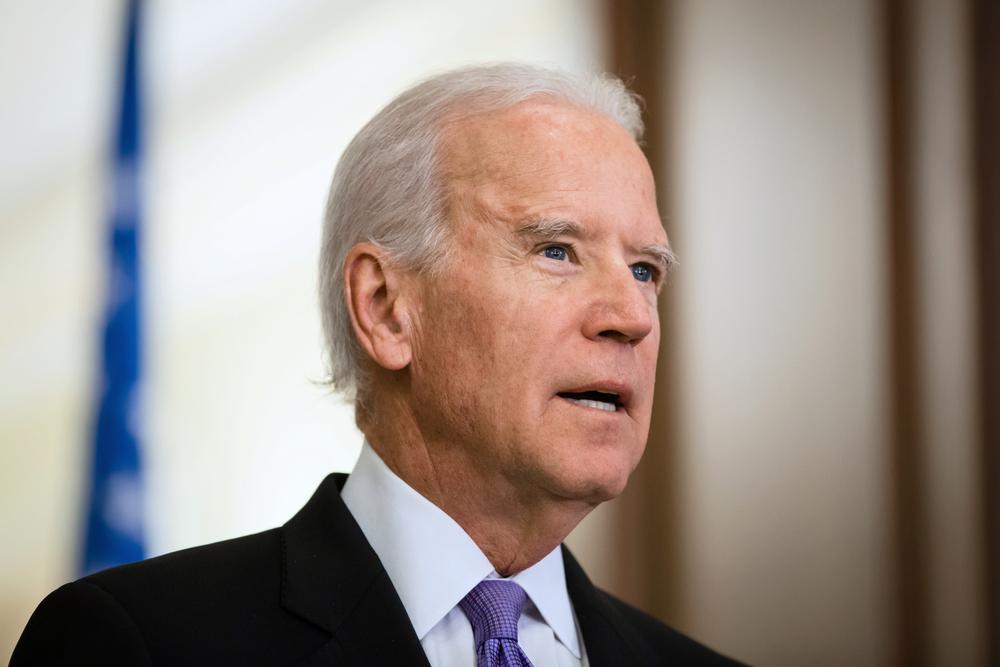 Democratic Senators Urge To Lift Ban On H-1B Visa