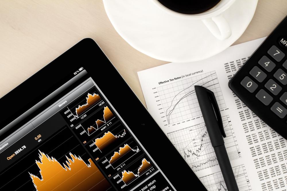 Benchmarks Finish Lower as RIL Tumbles; Sensex Slips 127 Pts