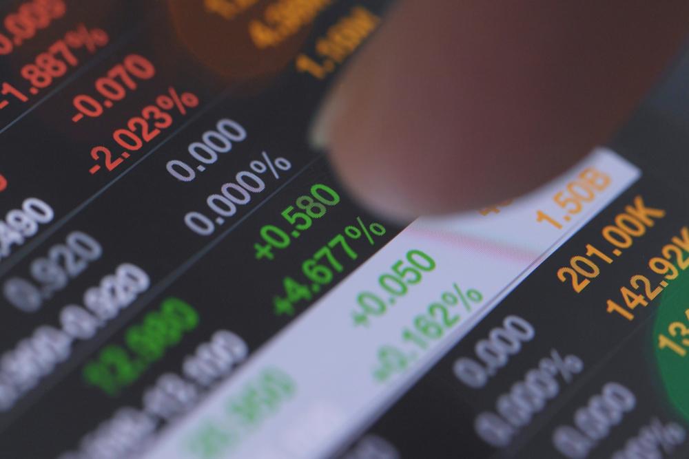 Sensex, Nifty Close Flat On RIL Sell-off