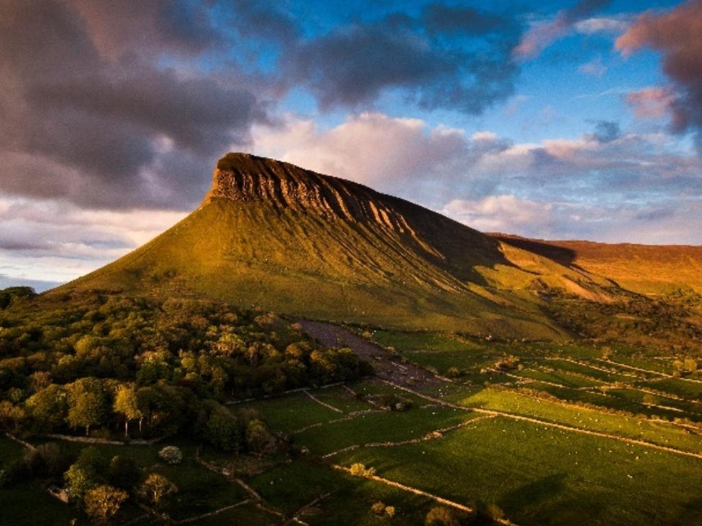 La montagne de Ben Bulben dans le comté de Sligo