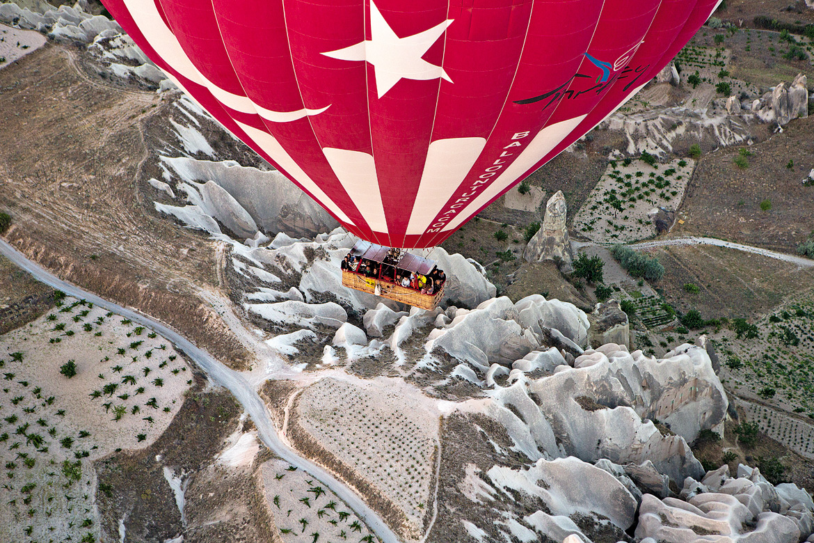The hour-long balloon ride goes over CappadociaÓ³ love valley, the beautiful cave city of Gerome and other sights