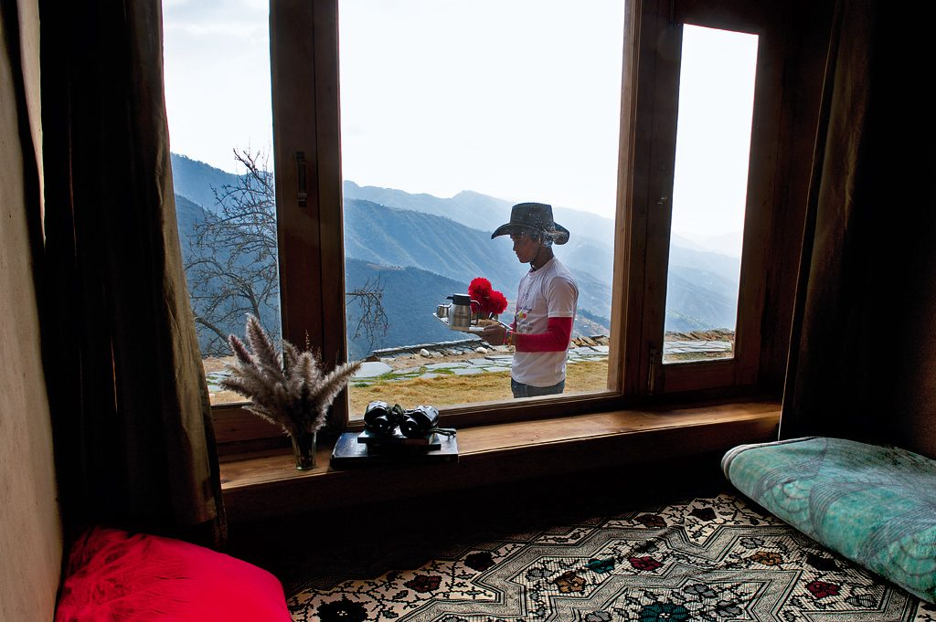 Cinnamon tea, a bed by the window and the view of the surrounding hills made for lovely mornings