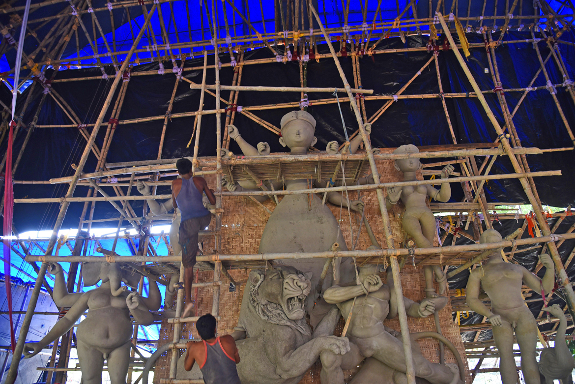 Artisans are racing against time to finish the pandals