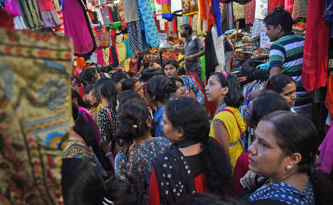 Shopping areas like Gariahat, New Market and Hati Bagan are overcrowded with last-minute customers