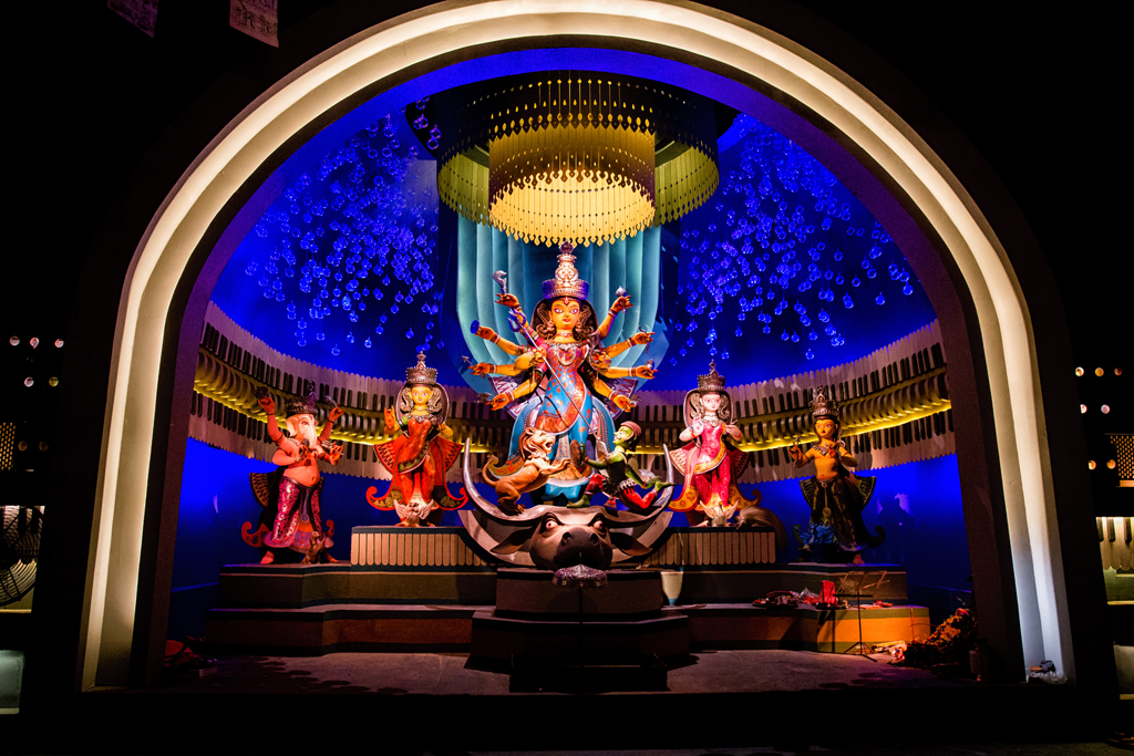 The idol at Kashi Bose Lane has musical influences. The pandal is made of musical instruments or accompaniments required for producing melody