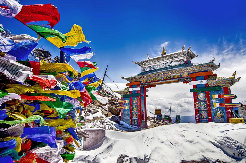 Tawang, Arunachal Pradesh: Buddhist prayer flags in snowy Tawang
