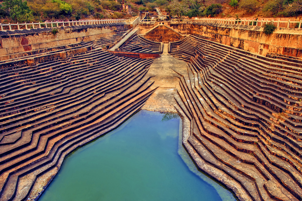 This stepwell in Nahargarh Fort, Rajasthan is best known for being featured in the Amir Khan starrer Rang De Basanti