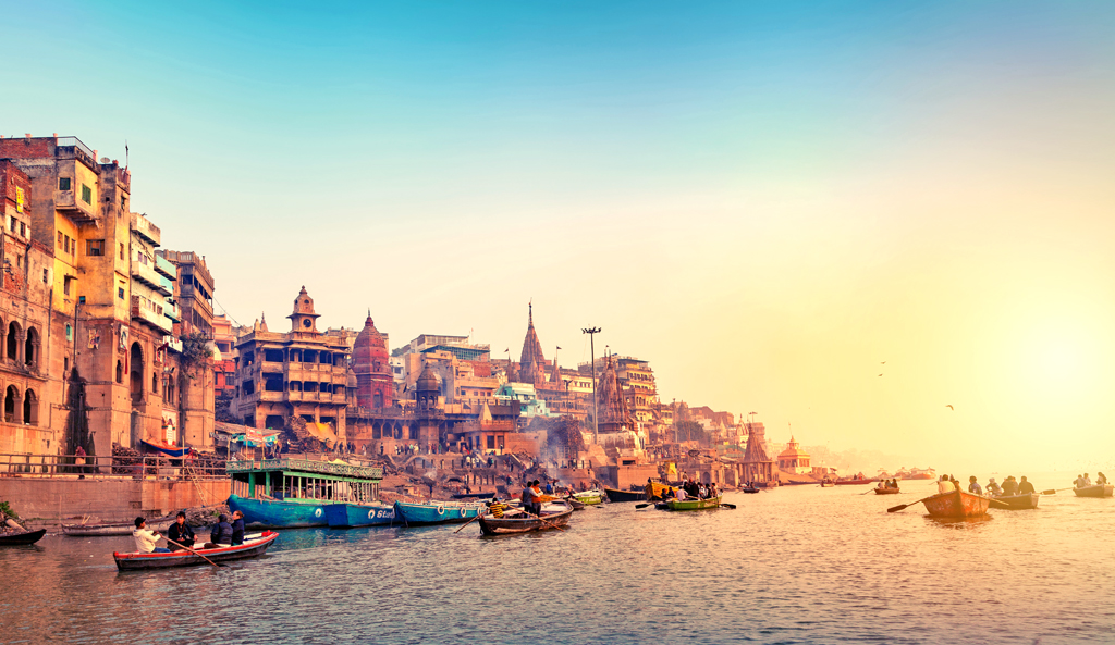 The swarming ghats of Banaras have been brought to the silver screen in many movies, the most memorable of these was Raanjhanaa