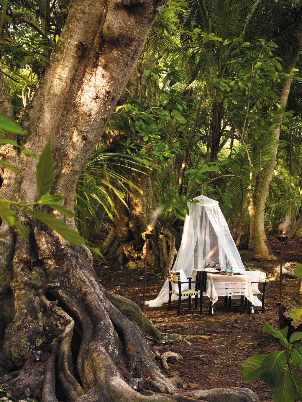 A jungle meal set-up at Shangri-La's Villingili Resort