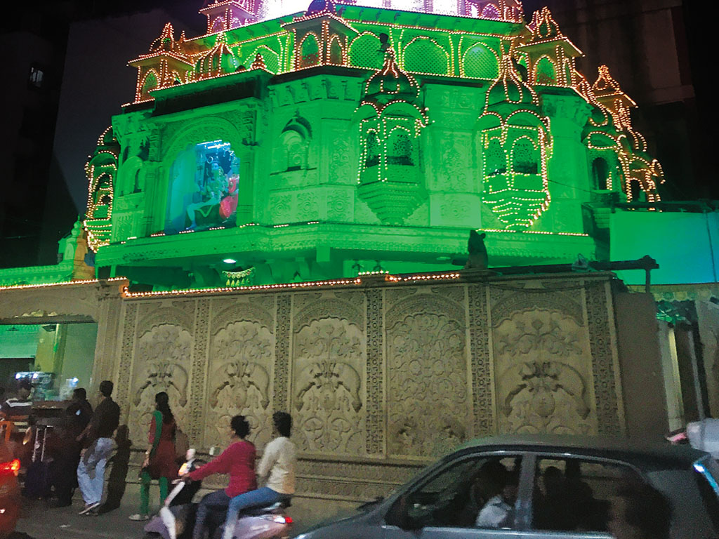 Đền Dagdusheth Ganpati đầy ánh sáng