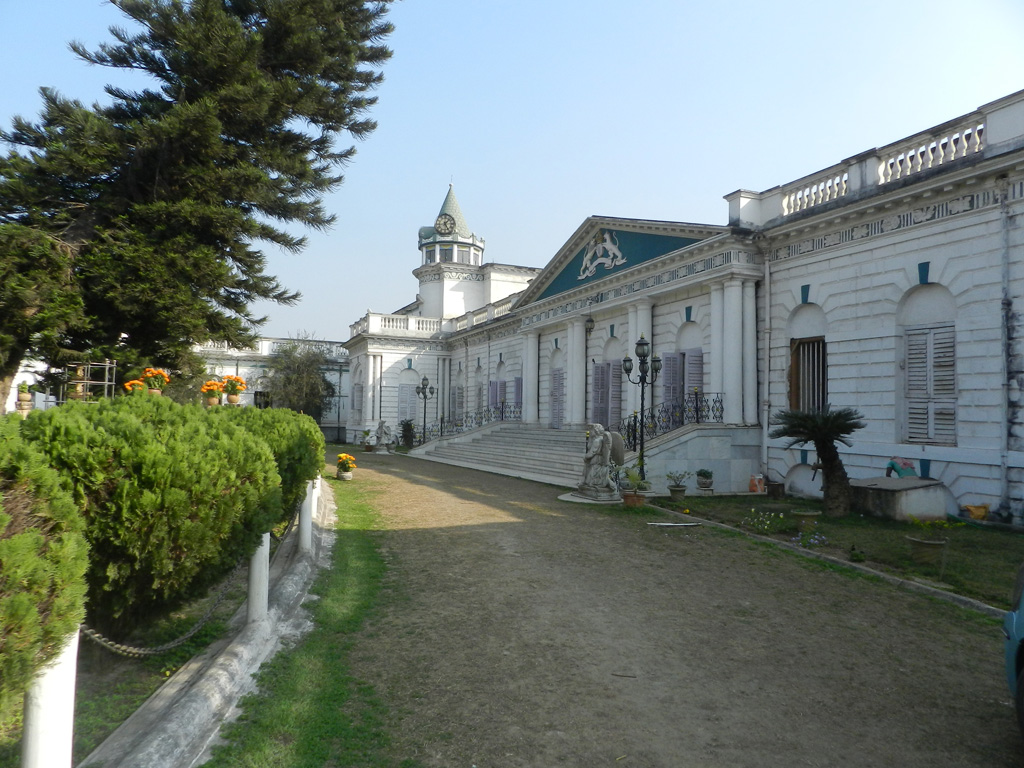 Cossimbazar Roy's Palace