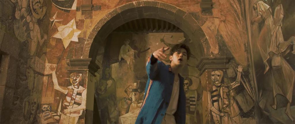 Eric Nam có vẻ phù hợp với những nhân vật trong bức tranh tường Mexico này