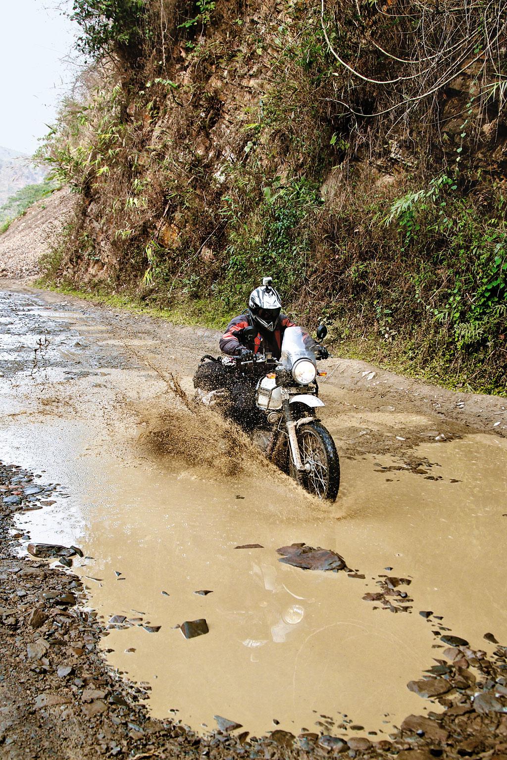 In Search of WWII Plane Crash in Arunachal Pradesh - Outlook Traveller