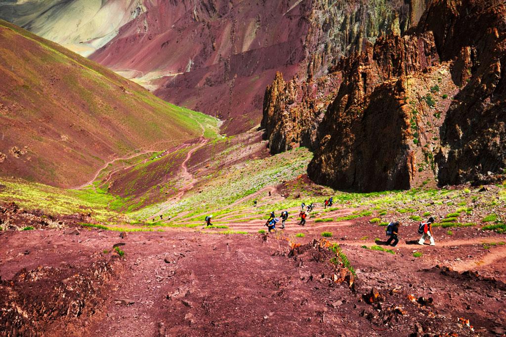 4 treks in ladakh you can 39 t miss outlook traveller. Black Bedroom Furniture Sets. Home Design Ideas
