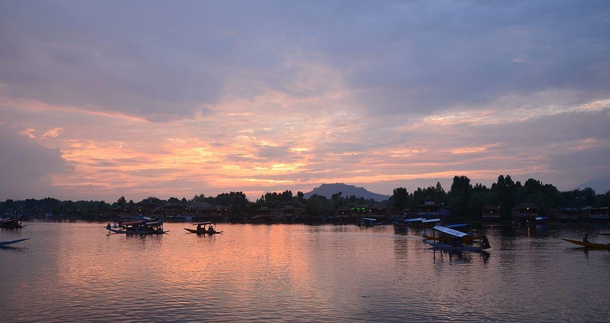 A moment just before the sky gets really dark above Dal Lake