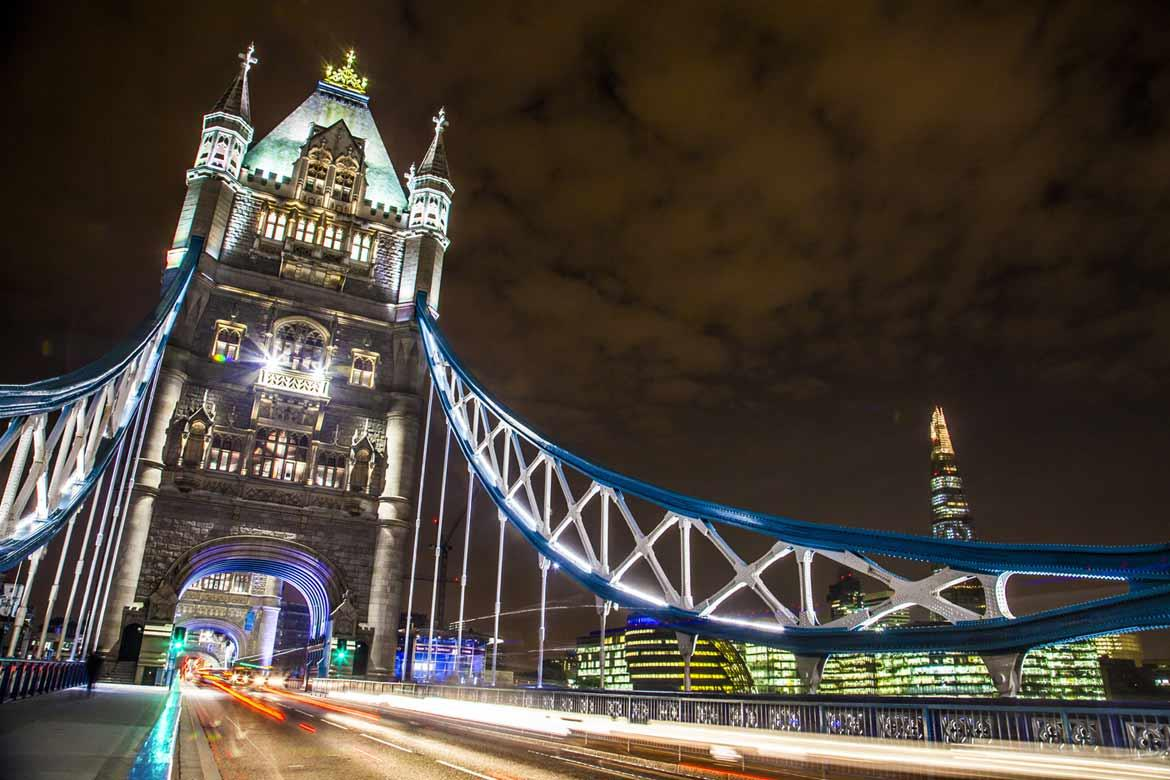 A work of highly sophisticated and complex engineering, the Tower Bridge houses a permanent exhibition inside, called The Tower Bridge Experience. When it was built in the late 19th century, it was the only way to cross the river Thames.