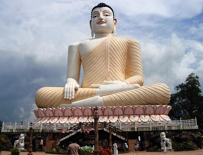 Samadhi Buddha statue at Kande Viharaya