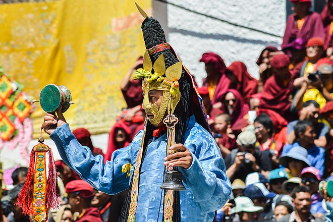 Next a group of young monks dressed as celestial dakinis lead a dance to consecrate the space