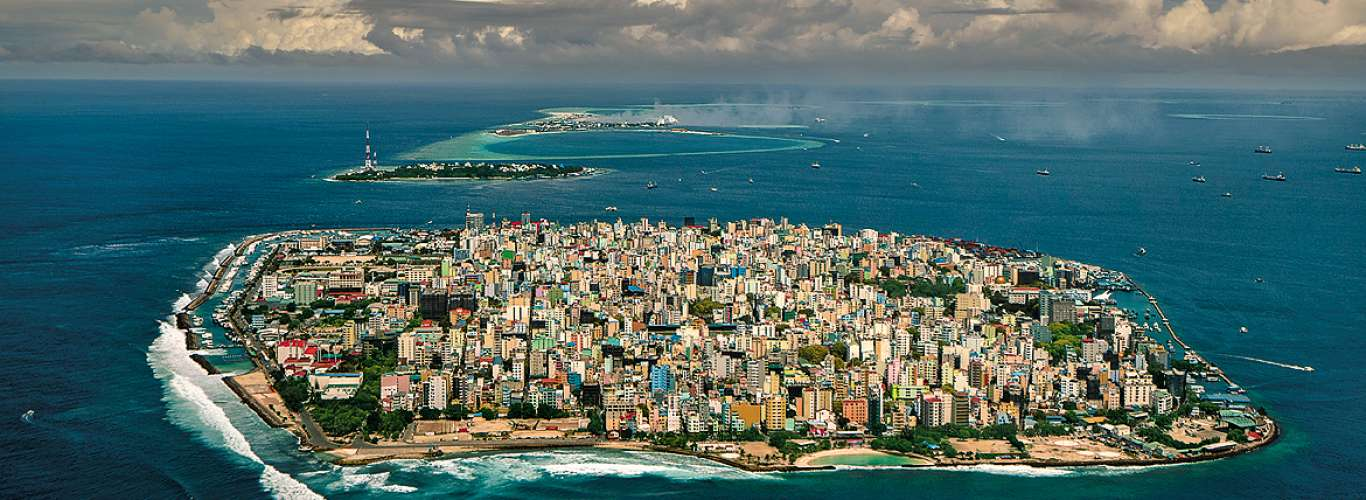 Maldives: Island City of Malé