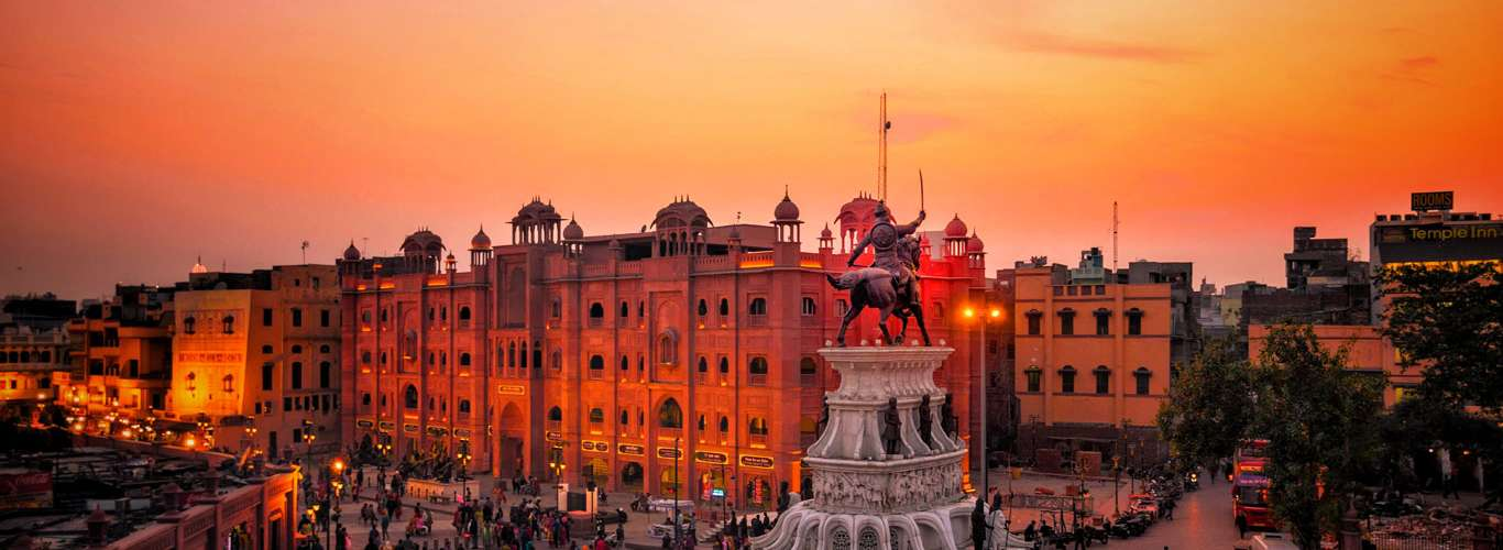 Experience 24 Hours In Amritsar