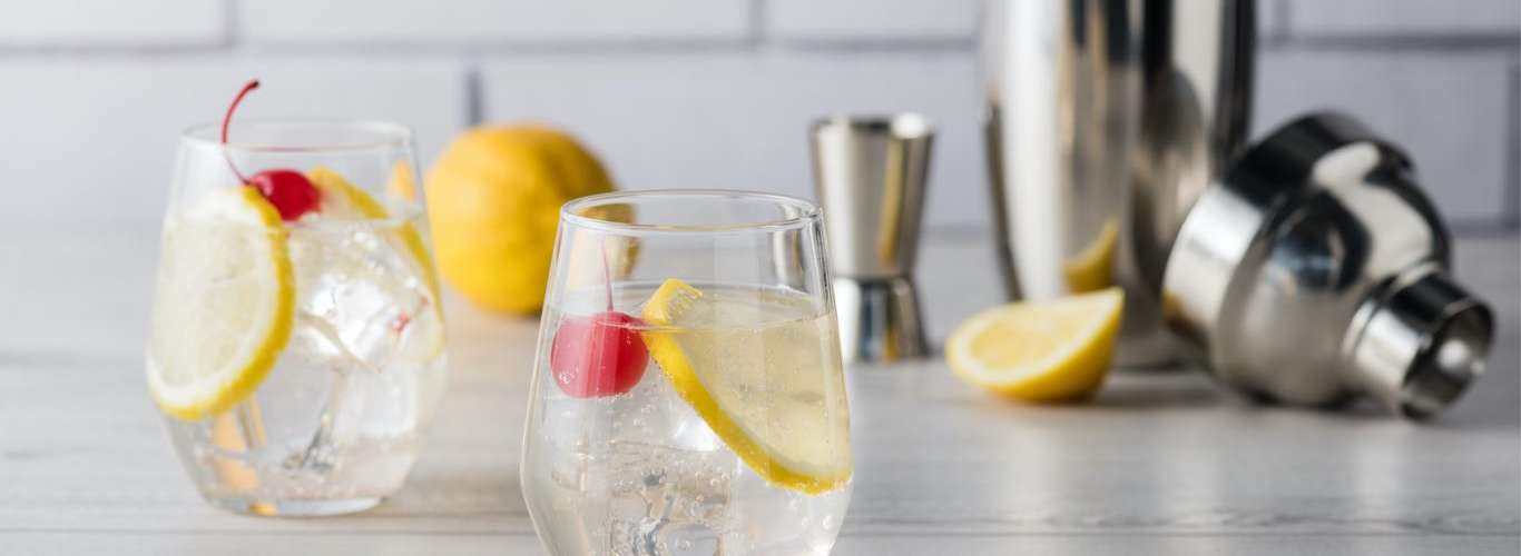 8 Easy Cocktails to Prepare at Home this Quarantine