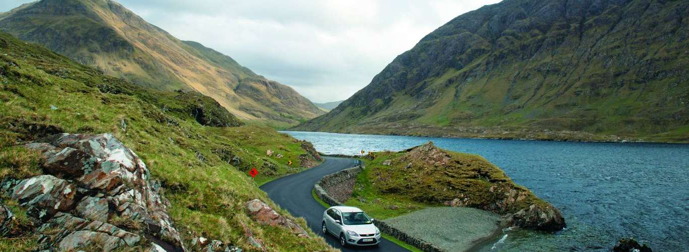 Uncover Serene Views on the Coastal Route Along the Atlantic in Ireland