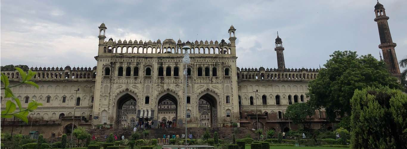 Experience 24 hours in Lucknow