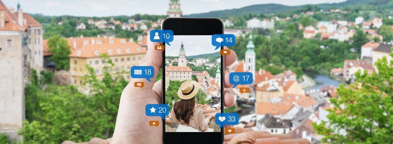 How To Be Safe on Social Media when you Travel