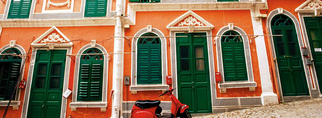 A Casino-Less Guide to Macao