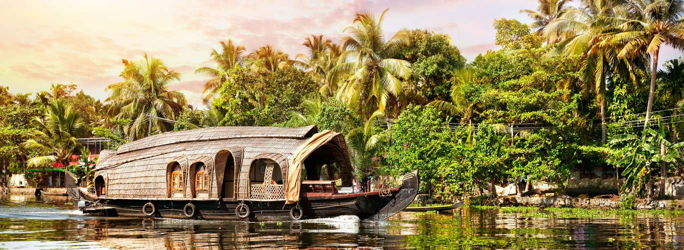 Take a Houseboat Cruise to Enjoy the Magic of Slow Travel
