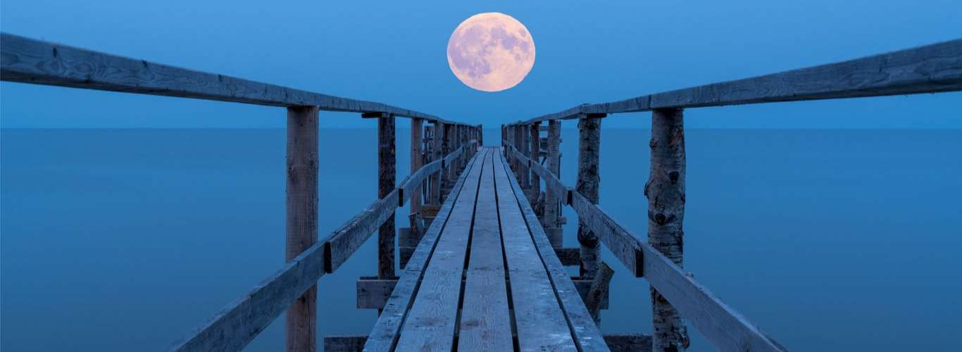 Do Not Miss the Full Moon on May 7