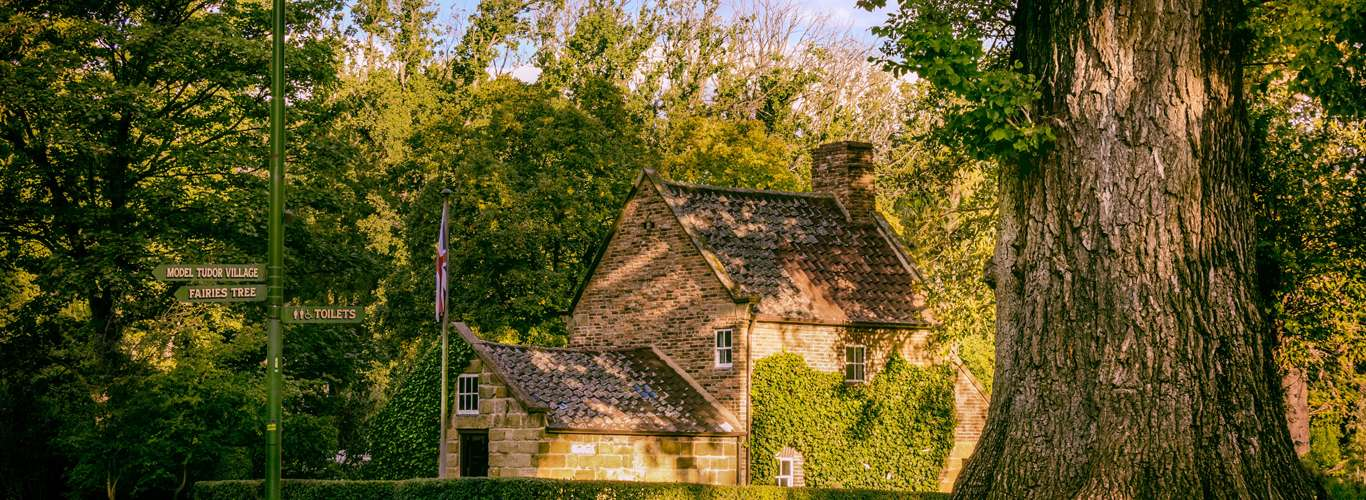 Did You Know The Story Behind Cook's Cottage, Melbourne?