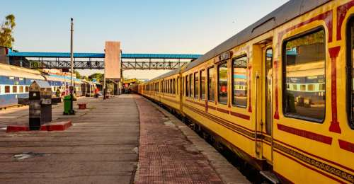 Luxury Awaits With These 5 Luxury Trains In India