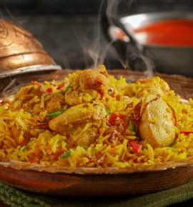 Top 10 Takeaway Dishes in Delhi That Travel Well