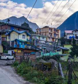 Lachung: Of Misty Mornings and Towering Peaks