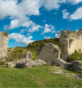 Sit Back and Watch These 7 Ruined Castles get Digitally Reconstructed