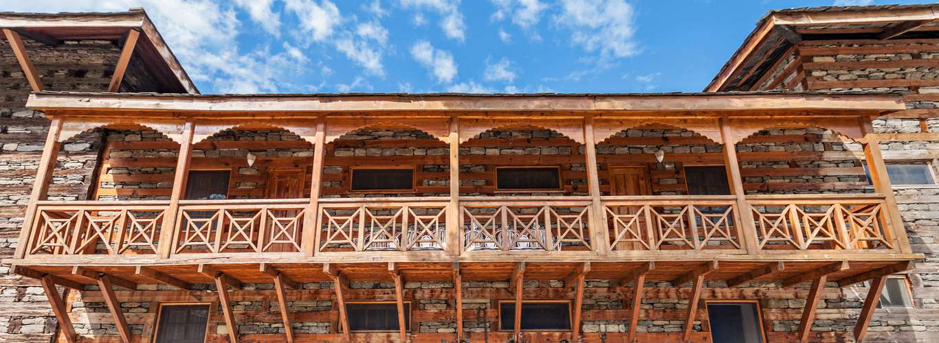 Enjoy the Indigenous Architecture of Himachal Before It's Gone