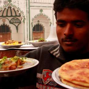 Eat Like Nawabs When In Lucknow