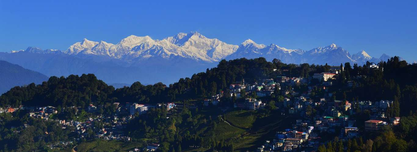 Of Toy Trains, Monasteries and the Himalayas