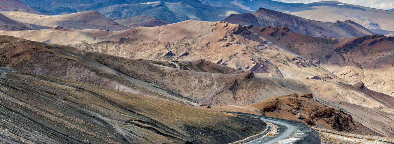 Manali to Leh Luxury Bus Service To Operate Till September 31