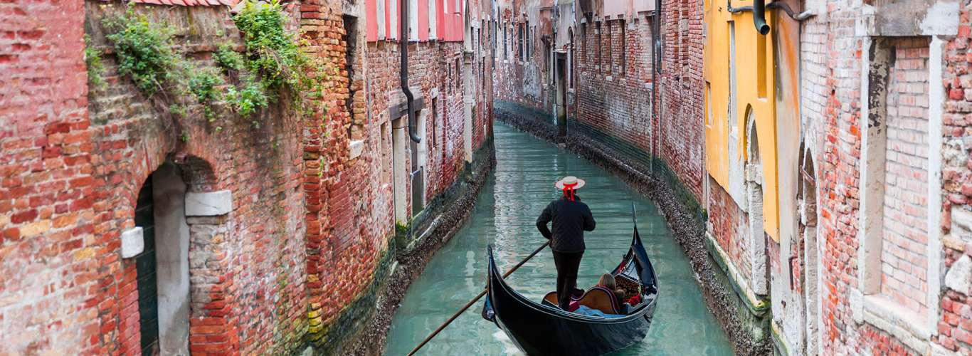 Venice Introduces New Regulations To Handle Tourist Pressure