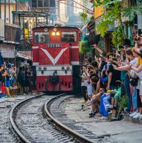 Insta-Dangerous: Hanoi Train Street Ordered to Shut Due to Photocentric Tourism