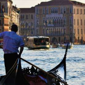 Giant Violin Floats Down Grand Canal in Venice as String Quartet Plays Vivalidi
