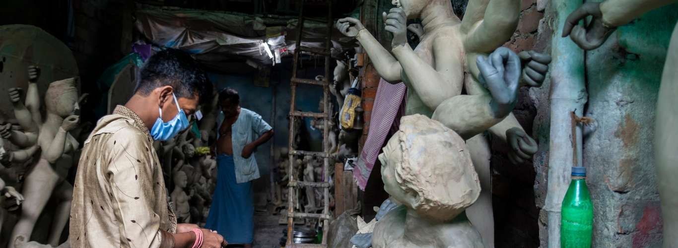 Kolkata's Puja Organisers Focus on Pandemic Related Themes this Year