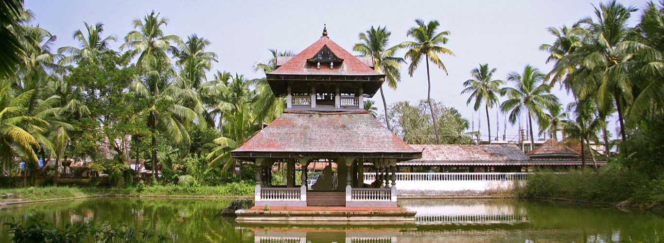 Sail to the Rythm of Dancers, Musicians and Artists in Kochi