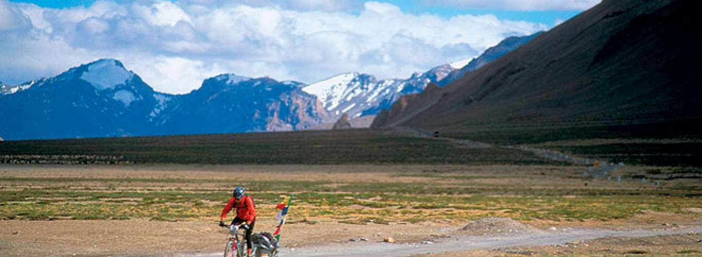 Bicycling to Khardung La