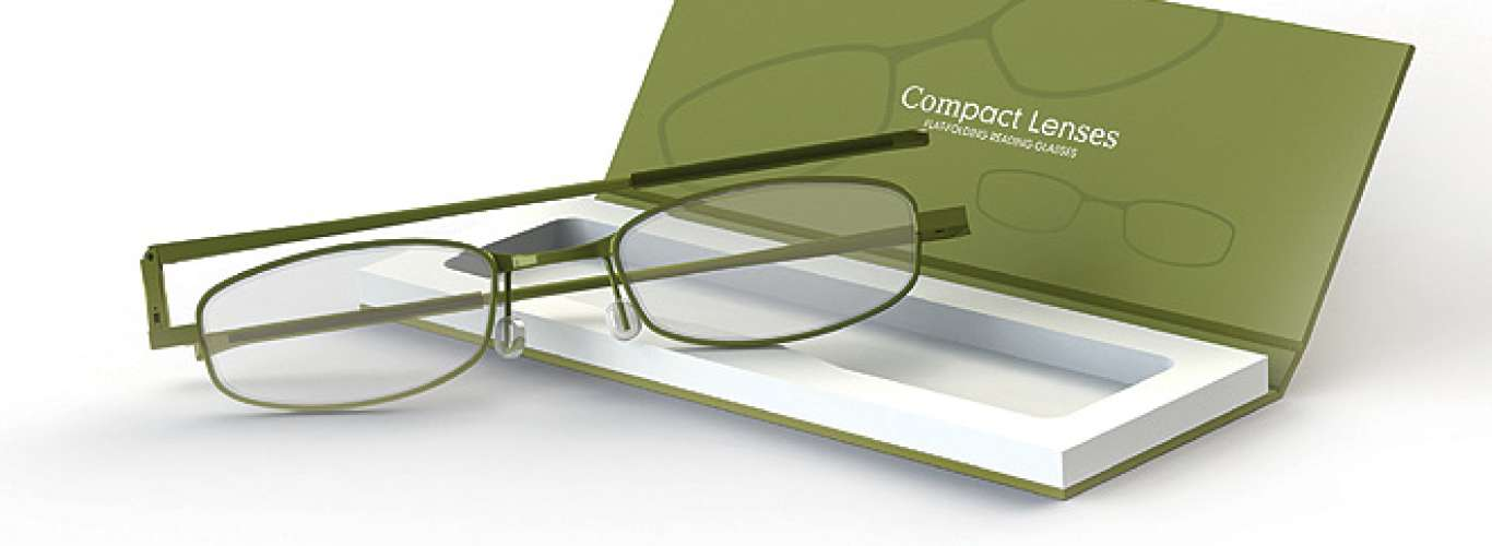 Trim reading glasses for the frequent traveller