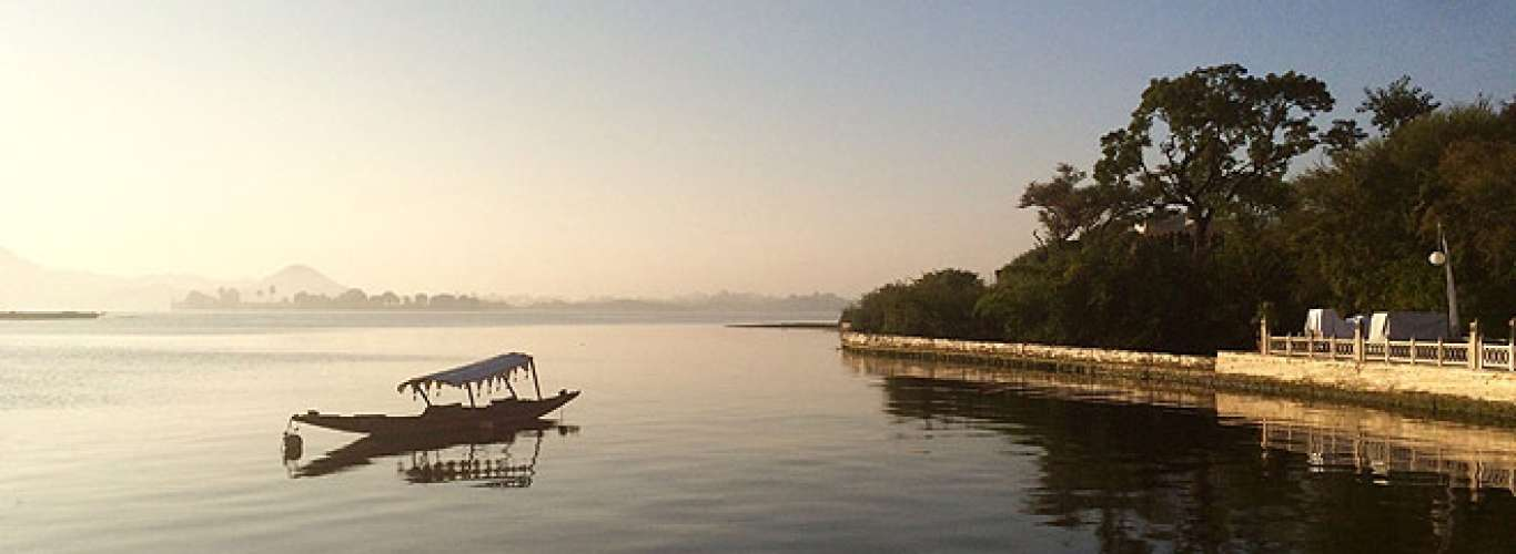 Plan a vacation to the city of lakes--Udaipur